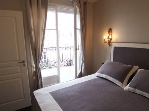 384bedroom-paris-louvre-concorde-12361670121