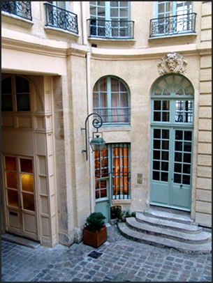 st-andre-courtyard-2