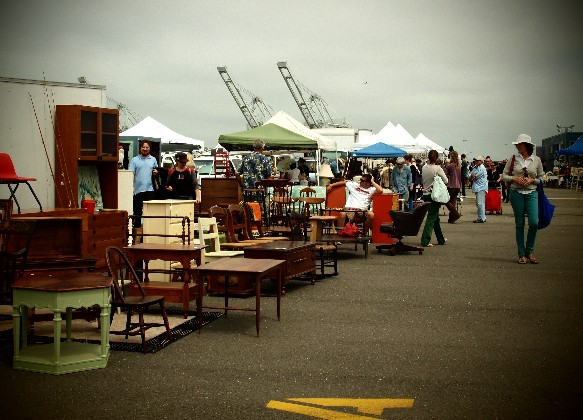 alameda point antiques faire antiquing by the bay in nor cal the paris apartment. Black Bedroom Furniture Sets. Home Design Ideas