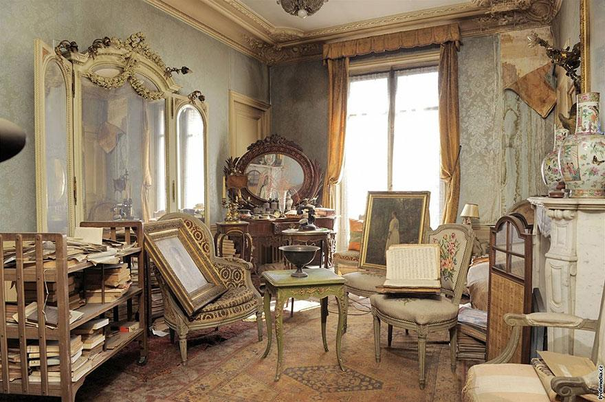 urban archaeology: sleeping beauty's paris apartment discovered (1/6)