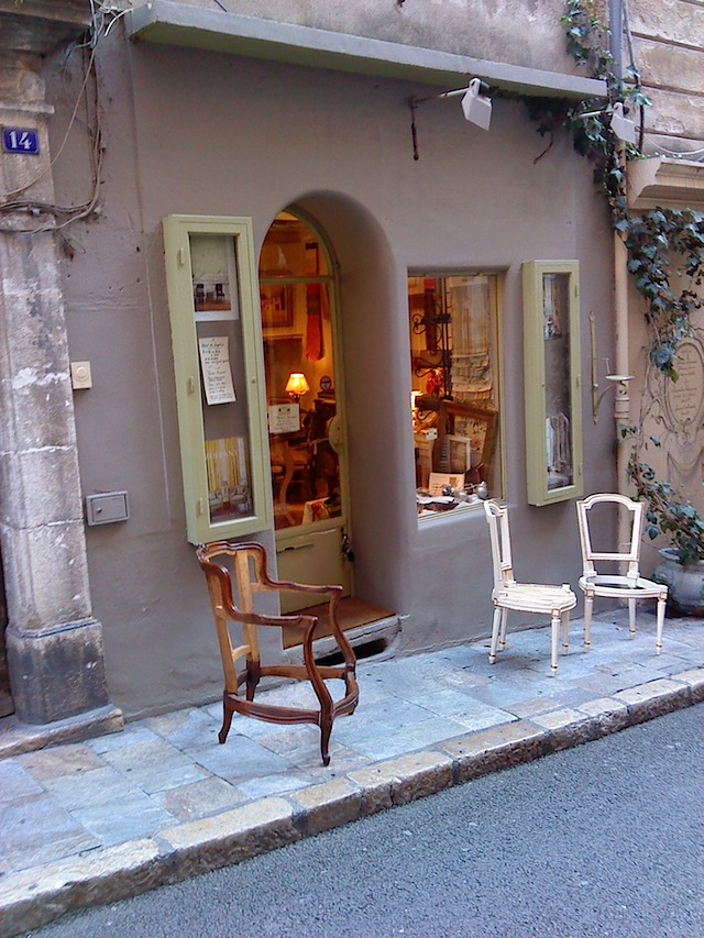 french riviera antique & secondhand shops  (2/6)