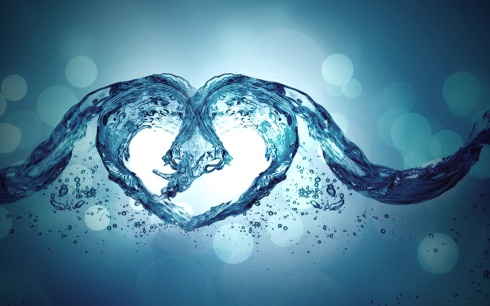 hd-water-heart-shaped-wallpaper