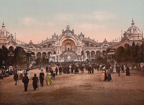 800px-Le_Chateau_d'eau_and_plaza,_Exposition_Universal,_1900,_Paris,_France