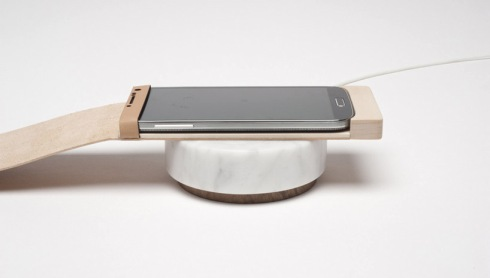 oree-wireless-charger-wood-touchpad-designboom04