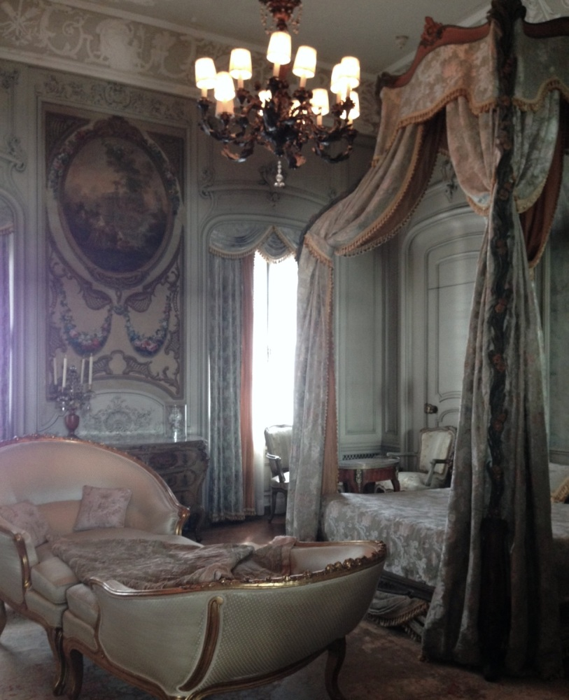 working on the paris apartment (5/6)