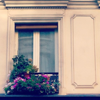 window box in paris theparisapartment