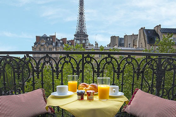 A Paris Apartment Rental With Eiffel Tower View