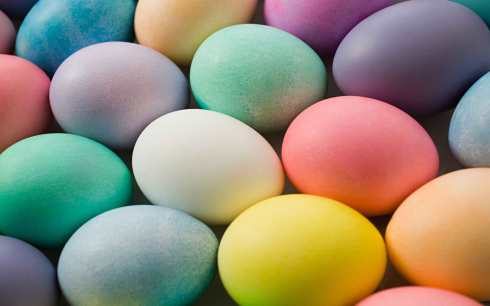 6894493-colorful-easter-eggs