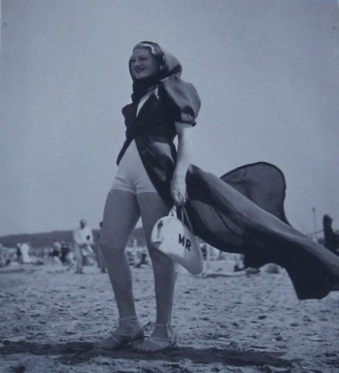 1934-deauville-seeberger-cape