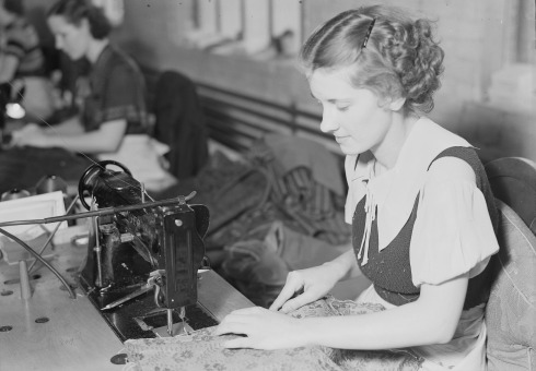 high_point_north_carolina_-_upholstering-_tomlinson_chair_manufacturing_co-_seamstress_-_sewing_and_completing-_-_nara_-_518484
